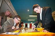 David Navara a Viktor Láznička měli proti sobě každý devět soupeřů.