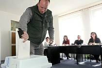 Mimo řádný termín volili obecní představitele loni v dubnu v Novinách pod Ralskem.