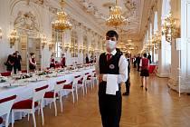 Studenti Euroškoly Česká Lípa se starali o hosty slavnostního oběda, který na Pražském hradě proběhl u příležitosti návštěvy německého prezidenta Franka-Waltera Steinmeiera v České republice.