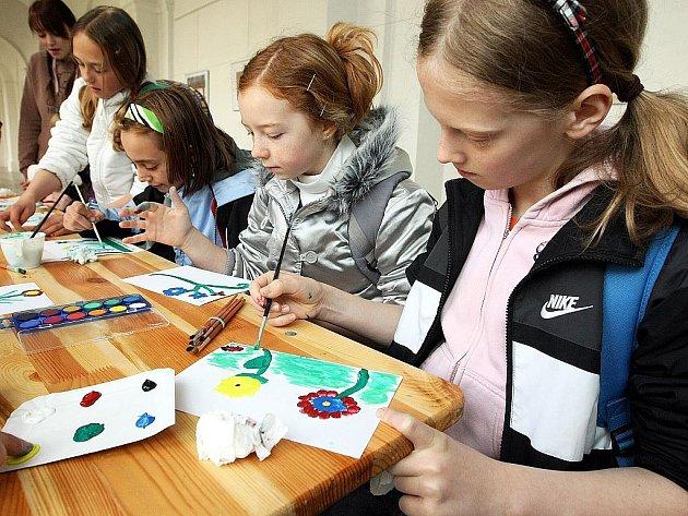 Vlastivědné muzeum a galerie v České Lípě hostilo v průběhu čtvrtka tradiční den Země. Akce se zúčastnilo více jak tisíc dětí ze základních škol Českolipska, ale také z ostatních měst Libereckého regionu.