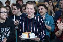 Ocenění za nejlepšího němčináře si ze soutěže Best in Deutsch odnesl student českolipské Euroškoly Daniel Luka Henninger.