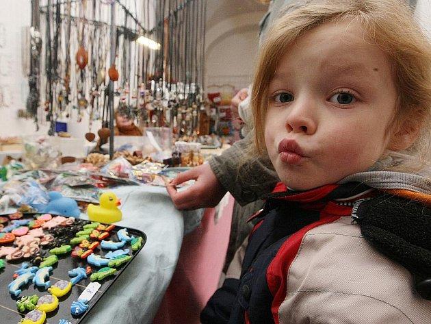V ambitu muzea si každý bez rozdílu věku vybere dárek pro své nejbližší nebo dekoraci do bytu. Ke koupi je samozřejmě i kapr nebo stromek.