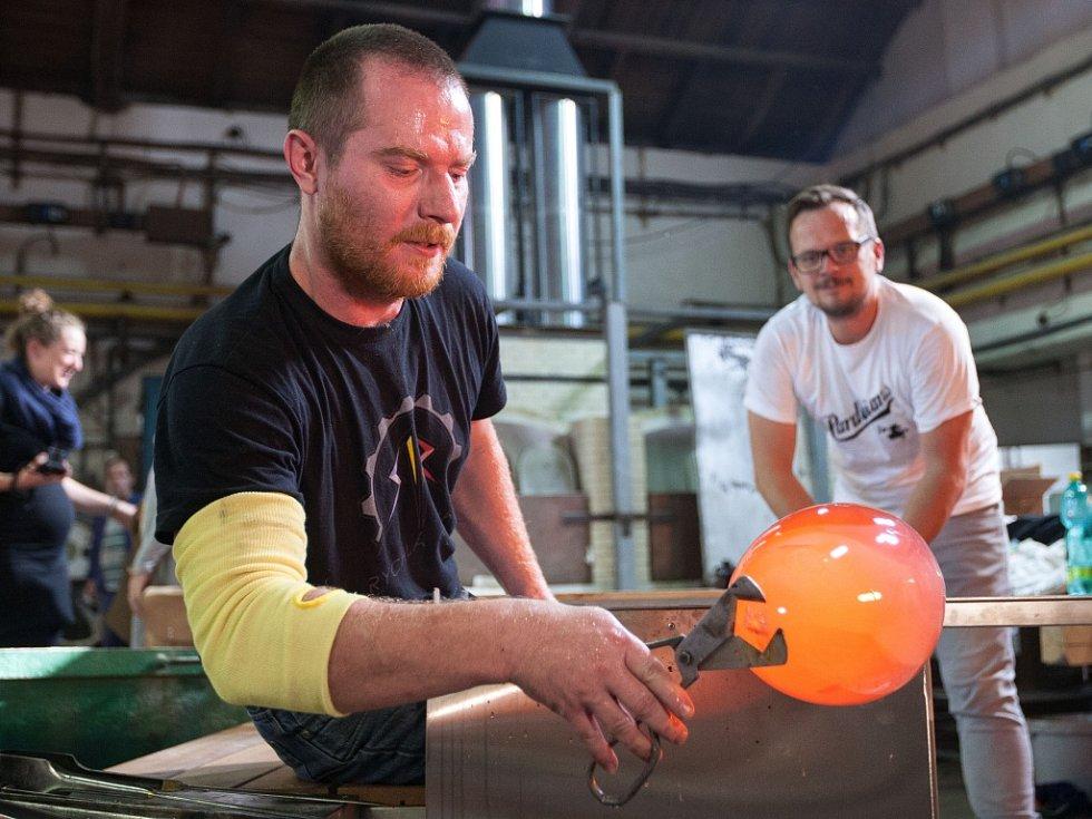 Hlavní ocenění Designér roku si z posledního předávání cen Czech Grand Design odnesli Jakub Janďourek a Michaela Tomišková, pracující pod značkou Dechem. Pracovali na Polevsku.