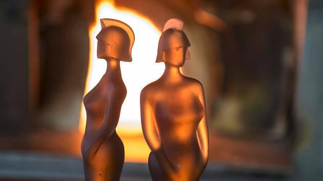 Hvězdy britské hudební scény dostanou cenu z Česka. Lasvit vyrobil trofeje pro Brit Awards.