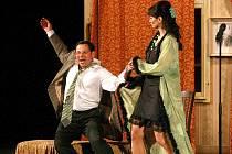 Do novoborského divadla zavítala pražská Divadelní společnost Háta.