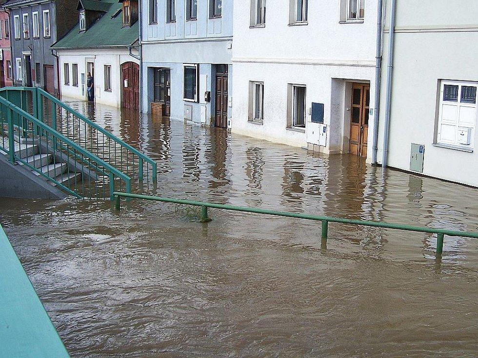 Jak to vypadalo při velké vodě v Mimoni.