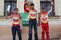 Trio jezdců MS Auto na stupních vítězů: (zleva) J. Svoboda, V. Novák a J. Semerád, ovládlo časovku krajských přeborů.