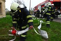 Cvičení v Petrovicích prověřilo sedm hasičských jednotek.