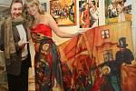 """Karlovy obrazy vystavovalo v roce 2009 Městské muzeum v Mimoni. K vidění tu bylo padesát reporodukcí obrazů """"Božského Káji""""."""