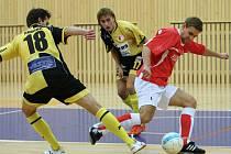 V českolipské sportovní hale se ve středu 10. října odehrál futsalový zápas v rámci Poháru FA ČR mezi domácím týmem F.A.Zole a Slavií Praha.