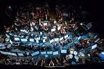 Definitivní tečku za osmnáctým festivalovým ročníkem napsal čtvrtek 7. listopadu v českolipském Kulturním domě Crystal, kde proběhl pátý ročník společného počinu ZUŠ Česká Lípa a MHF Lípa Musica příznačné nazvaný Má to smysl!