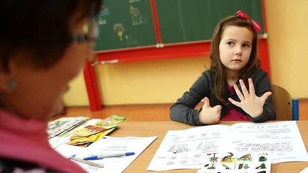 Zápisem na ZŠ 28. října v České Lípě prošlo 135 dětí. Z nich by 115 mělo v září zasednout do lavic 1. tříd.