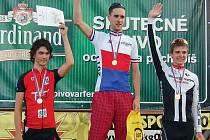 Jan Matoušek (uprostřed) sklidil další úspěch, tentokrát na MČR vysokoškolských studentů v cyklistice.