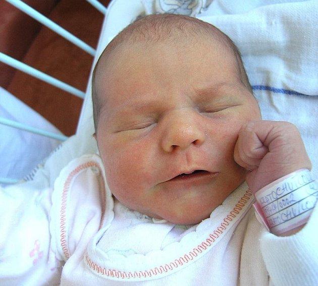 Mamince Lence Kratochvílové z Dubnice se 17. dubna ve 14:32 hodin narodila dcera Tereza Kratochvílová. Měřila 52 cm a vážila 3,46 kg.