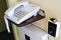 Takto vypadá koncové zařízení tísňové péče u uživatele v jeho bytě.
