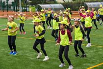 Škola v Novém Boru slavnostně otevřela nové hřiště.