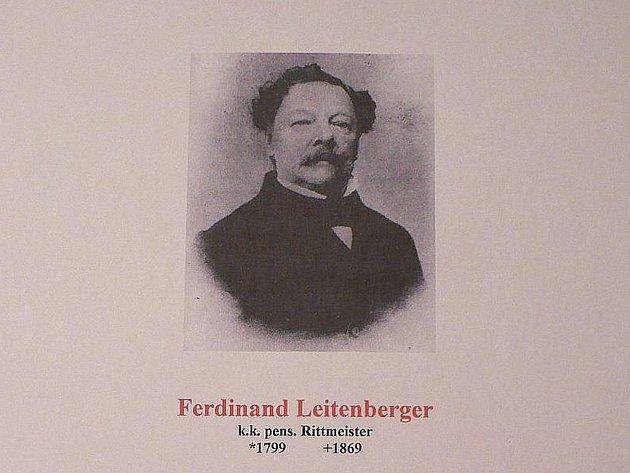Zakladatel prvního dobrovolného hasičského sboru ve střední Evropě ve městě Reichstadt (Zákupy) Ferdinand Leitenberger.
