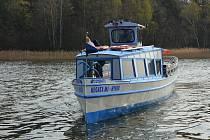 Plavební sezona na Máchově jezeře odstartovala.