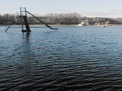 Máchovo jezero letos slaví 650 let od svého založení.