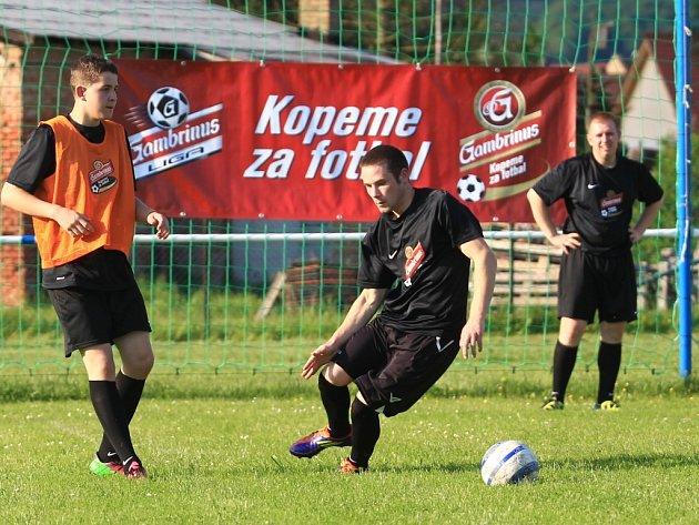 Den s profesionálním trenérem Baumitu Jablonec zažilo mužstvo okresního přeboru Lokomotiva Kravaře.
