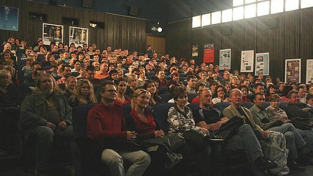 Kino v Novém Boru nabízí řadu zajímavých akcí a premiér. Jeho provoz je ale při současném omezeném rozpočtu drahý.