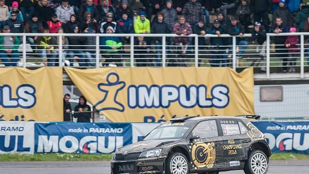 Tradiční setkání mistrů ukončilo motoristickou sezonu na Autodromu v Sosnové.
