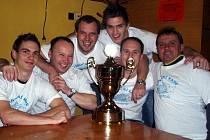 Obhajoba loňského triumfu se nakonec povedla českolipské Vagónce, která v průběhu turnaje ztratila jediné body při bezbrankové remíze s domácí Bohemkou.