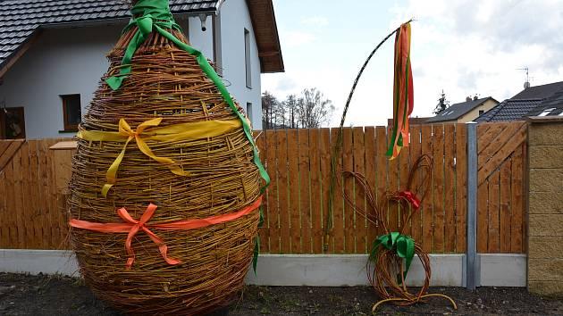 Proutěné XXL vajíčko v Okrouhlé na novoborsku.