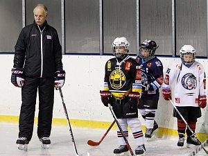 Za malými hokejisty dorazil trenér Lener