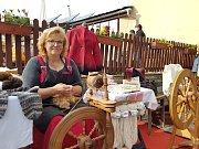 Tradiční Svatováclavská dražba beranů a farmářské trhy na Kozí farmě Pěnčín lákají díky doprovodnému programu množství lidí.