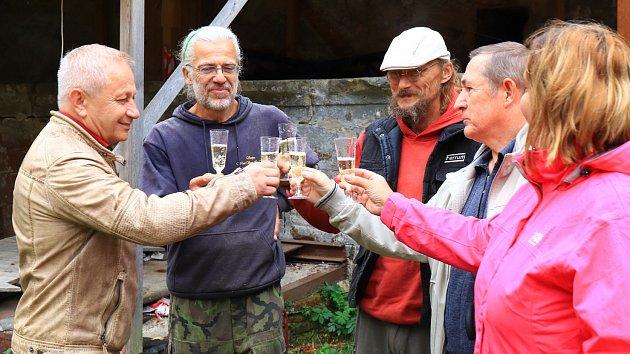 Dřevosochařské sympozium ve Stráži