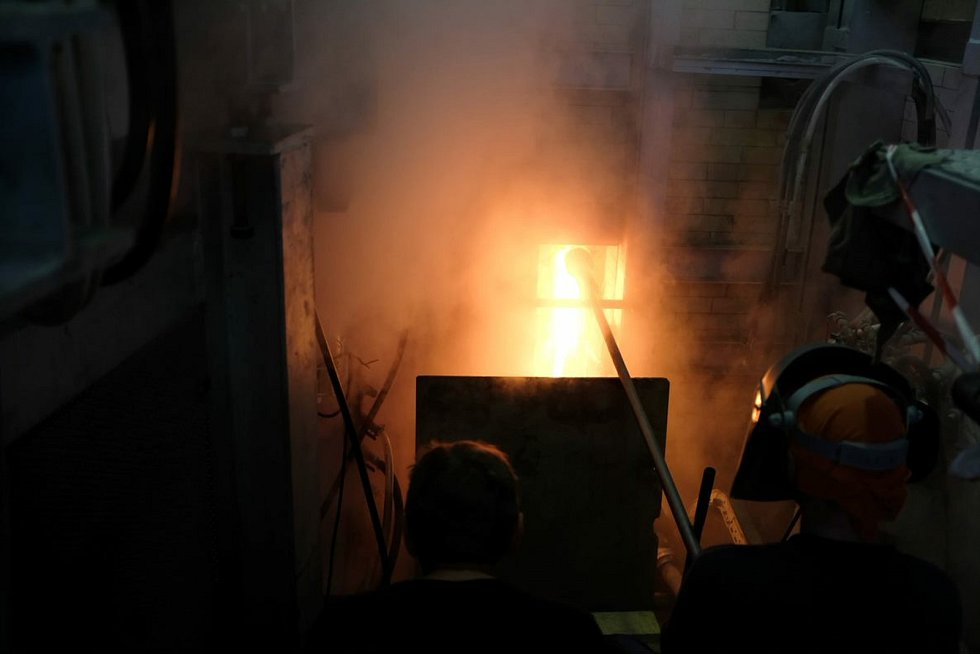 Crystalex investuje do obnovy linek. Výroba na nových strojích začne v červnu.