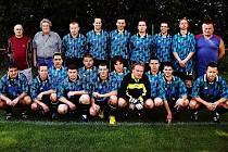 Kamil Šourek (vlevo nahoře), trenér účastníka fotbalové I. B třídy ze Starých Splavů, v neděli zemřel