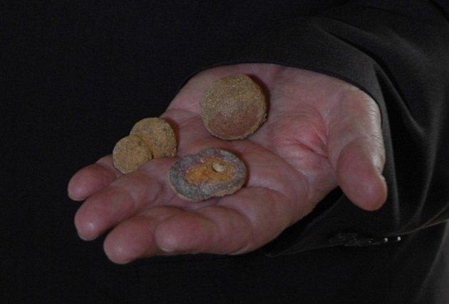 Stejné kamenné kuličky, jako jsou na Marsu