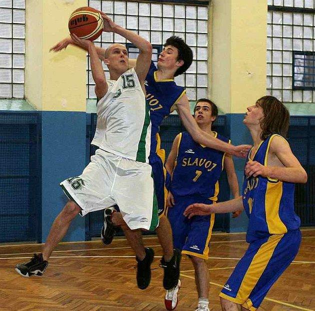 Basketbalu se daří. Českolipští kadeti a junioři postoupili ve svých ligových do finálových skupin.