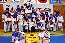 Karatisté českolipského klubu Sport Relax vybojovali na Krajských přeborech v Ústí nad Labem 27 medailí.