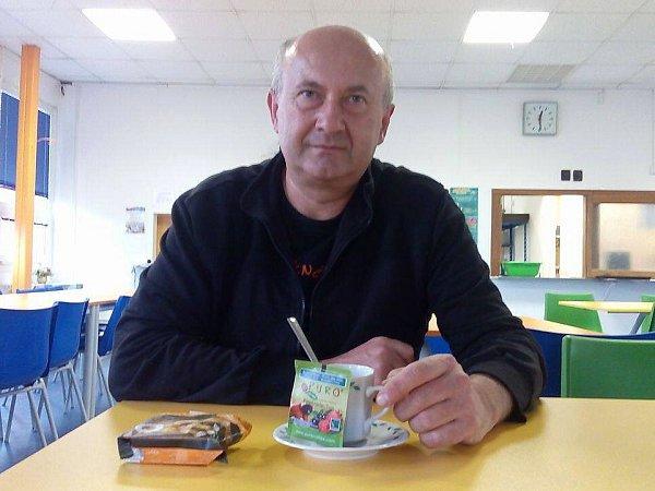 Václav Hylmar coby nadšený vyučující ekologie na gymnáziu sám stál uzrodu projektu Fairtrade na mimoňské škole.