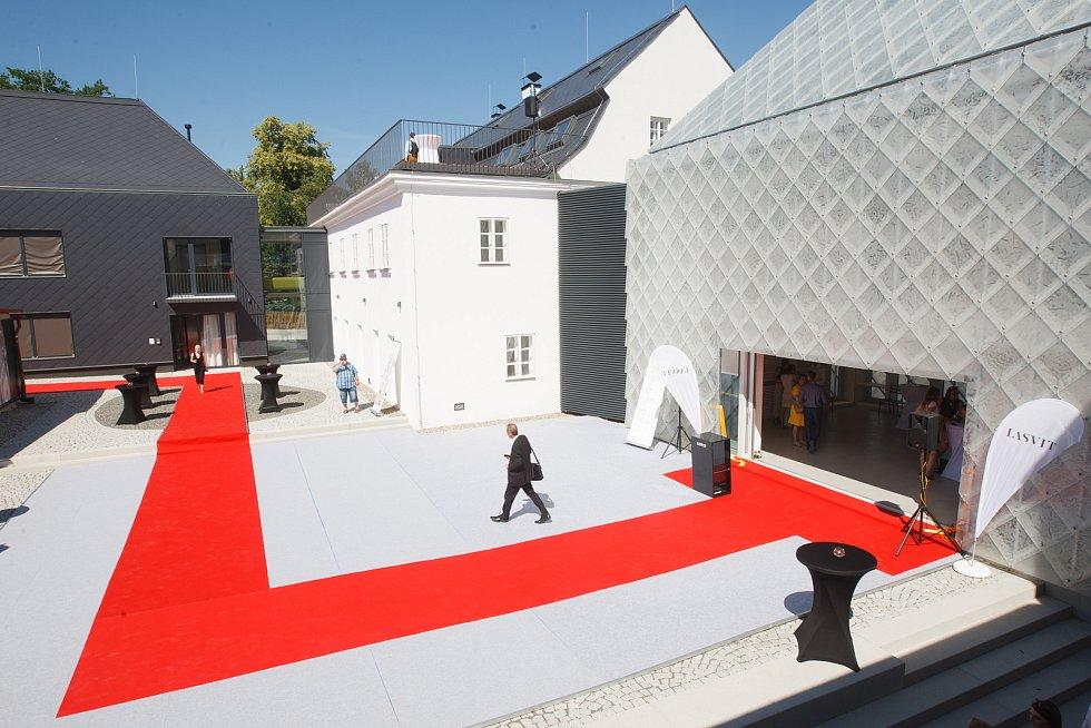 Slavnostní představení nového sídla společnosti Lasvit v Novém Boru.