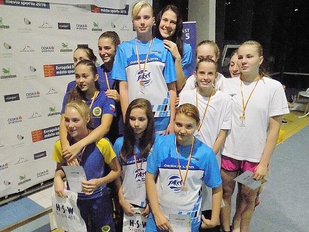 Jedenáctka českolipských plavců měla ze svých výkonů na závodech v Praze radost.
