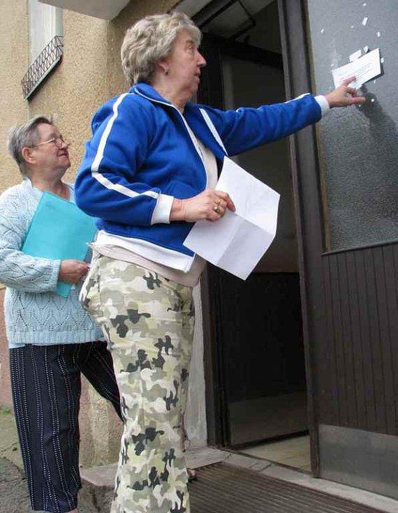 Nájemnice domu se hrozí toho, kdy jim SČVK zastaví kvůli majiteli domu dodávky vody.