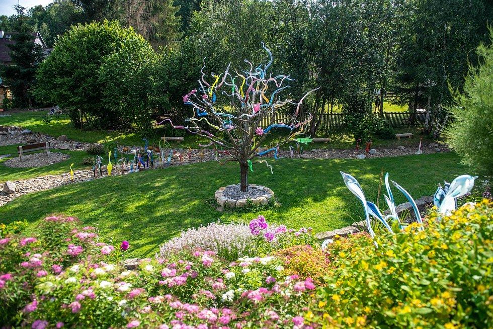 Skleněná zahrada v Kunraticích u Cvikova.