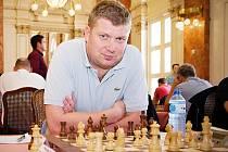 Lotyšský velmistr Alexej Širov.