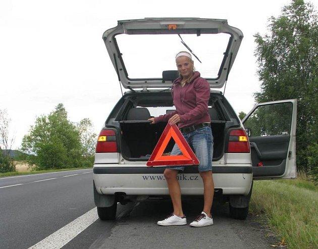 Provedli jsme test: Pomohou si řidiči navzájem?
