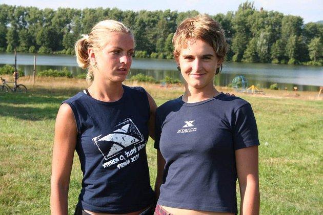 Členky cvikovského klubu Cyklorenova. Ivana a Kateřina Loubkovy se letos účastní převážně triatlonových závodů nazvaných X–terra