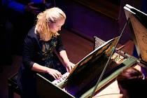 Hudební program nabídne díla vrcholného baroka v podání litevsko-českého cembalového dua Giedrė Lukšaitė Mrázková a Petra Žďárská.