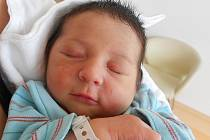 Rodičům Jeleně Stavrovové a Petru Čižinskému z Rokytnice se v pátek 7. května v 0:01 hodin narodil syn Petr Čižinský. Vážil 3,42 kg.