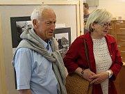 První návštěvníci si výstavu prohlédli v pondělí 5. června. Potrvá jen do pátku.