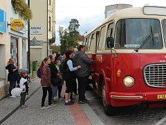 Historické autobusy brázdily českolipské ulice.