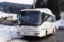 BusLine již tradičně startuje lyžařskou sezónu turistickými linkami v podobě SKIBUSů, které každoročně využívají nejen sjezdaři, běžkaři a snowboardisté, ale i nadšenci další zimních sportů v Krkonoších a Jizerských horách.