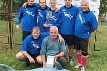 Celkové prvenství na turnaji Klášter Cup oslavil celek Shark.
